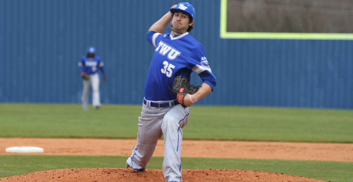 Photo for Bulldogs sweep first conference series