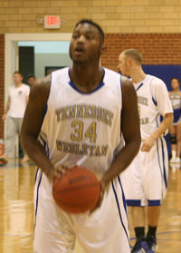 Quincy Scates collects 28 points for the Bulldogs